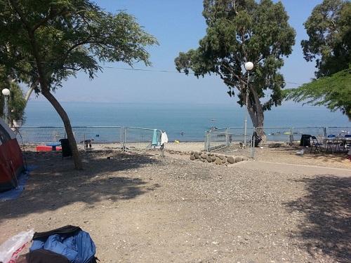 קמפינג בחוף כינר ובחוף דוגה