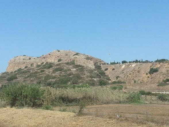מצומת שפיה לחוף האקוודוקט בקיסריהעל שביל ישראל